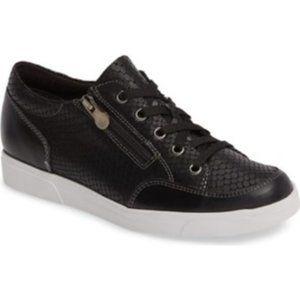 MUNRO Gabbie Sneaker black lace zip